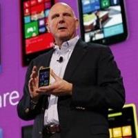 Microsof testuje vlastní telefon Surface, tvrdí deník Wall Street Journal
