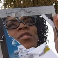 Levný iPad, který žena koupila na parkovišti u benzínové stanice, byl ve skutečnosti zrcadlo