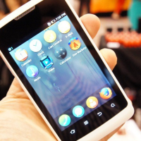 Na CES 2013 byl představen první mobil s operačním systémem Firefox