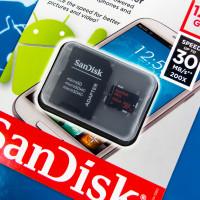 Vejde se na nehet, ale přitom je pekelně rychlá a má kapacitu 128 GB. Nová microSD karta může být vaše za 2400 Kč