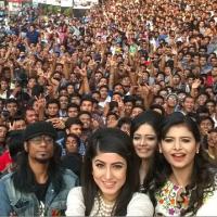 Na rekordní selfie se vešlo 1 151 lidí, vyfotila ho Lumia 730