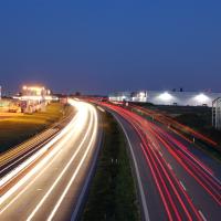 O2 pokrylo dálnici D1 z Prahy do Brna rychlým internetem LTE