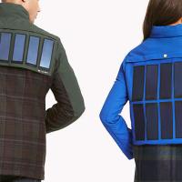 Bunda se solárními panely dobije každý smartphone