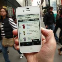 Průzkum: Češi letos zdvojnásobí počet nákupů z mobilů, e-shopy budou znovu lámat rekordy