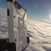 VIDEO: Podívejte se, jak iPhone 6 letěl balonem do stratosféry