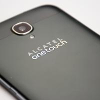 Alcatel OneTouch Hero 2: Obří zápisník s nízkým sebevědomím