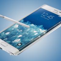 Unikátní mobil se zahnutým displejem se v Česku prodává za 24 000 Kč