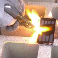 VIDEO: Vydrží iPhone 6 žár o teplotě vyšší jak 3 300 stupňů Celsia?