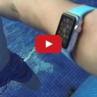 Podívejte se, co se stane, když si s Apple Watch zaplavete v bazénu