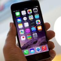 Puknete smíchy: Přečtěte si nejvtipnější recenzi na iPhone 6