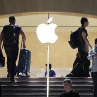 Apple prodal 61 milionů iPhonů, zájem o iPady uvadá