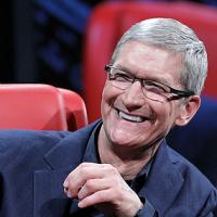 Oběd s šéfem Apple vydražili v aukci za 4,8 milionu korun