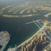 Dva blázni si na Jet Packu zalétali nad Dubají a pořídili přitom video, podívejte se!