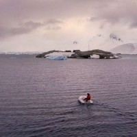 VIDEO: Podívejte se na nádherné záběry z mrazivé Antarktidy pořízené dronem