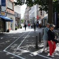 V Belgii mají speciální pruh na chodníku pro lidi závislé na smartphonech