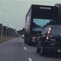 Bojíte se předjíždět kamion? Podívejte se, jak celou věc vyřešil Samsung [video]