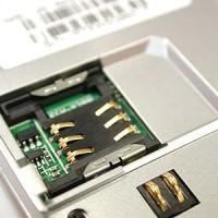 Apple a Samsung jednají s operátory o zrušení klasických SIM karet