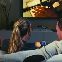 Blíží se konec televizní zábavy? 61% z nás denně sleduje video na smartphonu