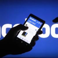 Falešná aplikace Facebook v mobilech s Androidem špicluje uživatele