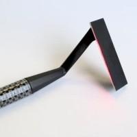Kickstarter má další hit, laserovou žiletku od společnosti Skarp