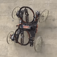 Video: Disney představila robota, který umí jezdit i po stěnách