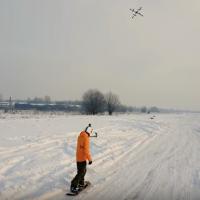 Droneboarding: Snowboarding za drony se může stát sportem budoucnosti