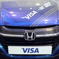 MWC 2016: Aplikace v autě zaplatí za benzín nebo parkování