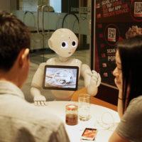 MasterCard spouští první komerční aplikaci pro robota Peppera