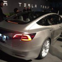 Tesla opět zaostala za očekáváním, dodala o několik tisíc méně aut