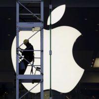 MacBookům se přehřívají baterie, Apple je svolává k výměně