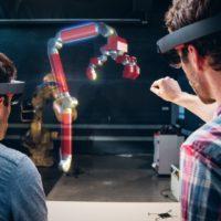 Virtuální realita HoloLens se začne prodávat i v Evropě