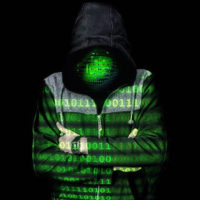 Policie zadržela v Praze ruského hackera. Podle FBI napadl servery v USA