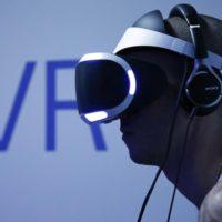 Virtuální realita PlayStation VR je v Česku. Stojí méně než 10 tisíc korun