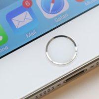 Manažer z továrny Foxconnu ukradl iPhony za 38 milionů
