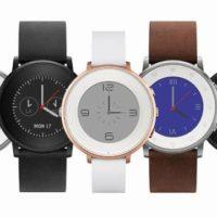 Fitbit pohltí výrobce populárních chytrých hodinek Pebble