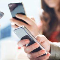 Na co si dát velký pozor na dovolené mimo EU při používání mobilního telefonu