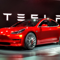 Alza.cz rozšíří nabídku elektrovozů Tesla o Model 3