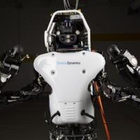 Podívejte se! Robot Atlas od Boston Dynamics dělá obrovské pokroky