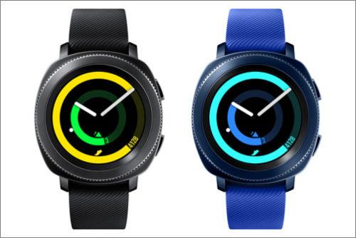 V ČR jsou k dostání hodinky Samsung Gear Sport a sluchátka Gear IconX (2018)