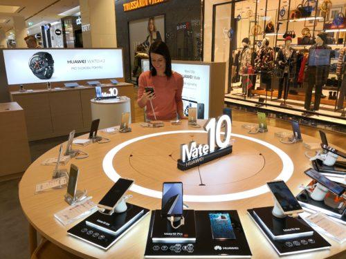 Huawei otevřel nový pop-up store v OC Chodov