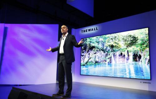 Samsung ukázal první modulární MicroLED televizor