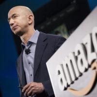 Nejbohatší člověk na světě je šéf Amazonu Jeff Bezos