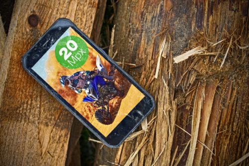 Do prodeje zammířil odolný Evolveo StrongPhone G8