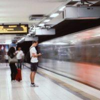 Měsíčně si cestující v pražském metru přes WiFi stáhnou zhruba 8,5 TB dat