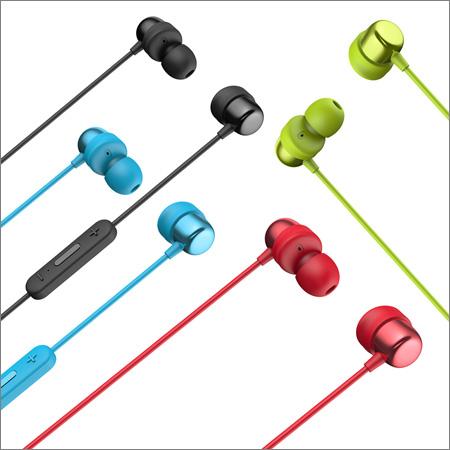 Na pulty obchodů míří bezdrátová sluchátka Niceboy HIVE E2