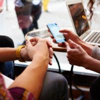 Češi mají jedno z nejrychlejších mobilních připojení k internetu v EU
