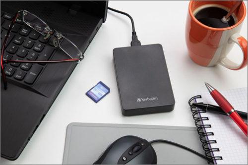 Verbatim představil externí pevný disk s vestavěnou čtečkou SD karet
