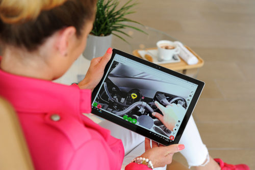 Mechanik v autoservisu pozná problém díky virtuální realitě