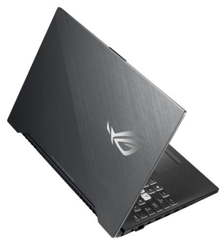 Asus ROG Strix SCAR II je herní notebook s obnovovací frekvencí displeje 144 Hz