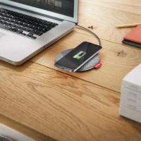 Trust posílá do prodeje bezdrátové nabíjecí podložky a powerbanku s 20 000 mAh